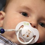 気になる赤ちゃんのよだれかぶれ!肌荒れを防ぐ3つの方法!