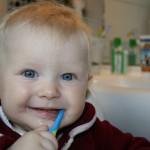 赤ちゃんの歯を磨いてあげよう!上手な歯磨きで赤ちゃんの虫歯対策!